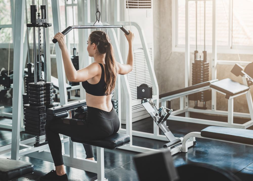 The Lat Pulldown exercises the bacl muscles which promotes good posture.